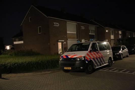 Onderzoerk in de Duivenstraat, Sint Willebrord.