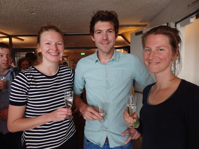 Anne de Jong (interventie-ontwikkeling), consultant Pieter van Gelder en yoga-docent/coach Anne Mol (vlnr). Van Gelder: 'Mijn vriendin zit in de organisatie. Dat is ook een manier om binnen te komen.' Beeld Schuim