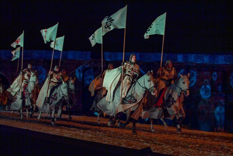 Nachtelijk spektakel in themapark Puy du Fou España. Beeld