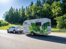 Elektro-caravan rijdt zélf naar het Gardameer (en pakt meteen het wereldrecord)