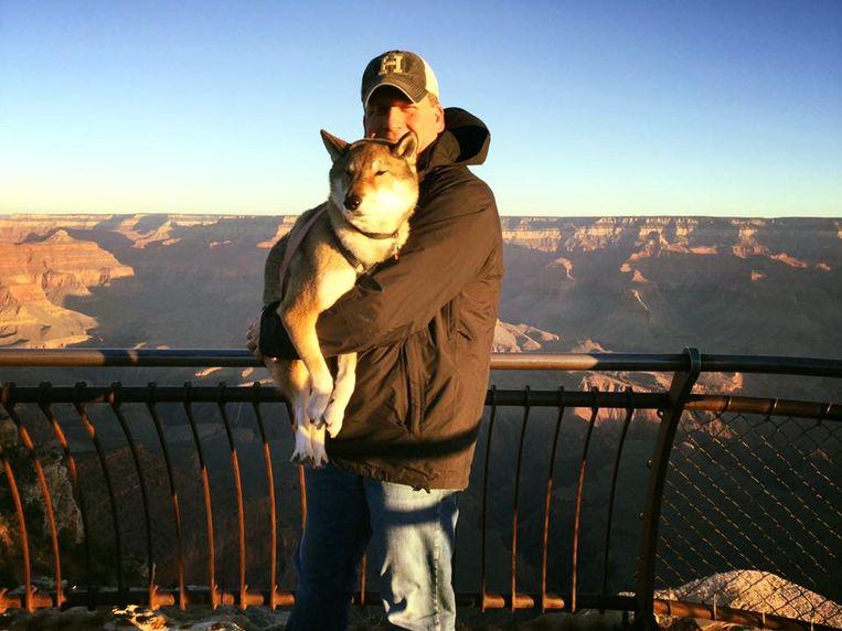 Mura en Paul voor de Grand Canyon.