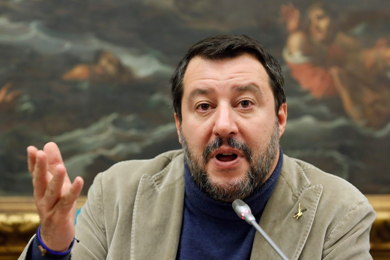 Matteo Salvini: 'Ik geloof in de duivel en in de hel, maar ook in het paradijs.'  Beeld Photo News