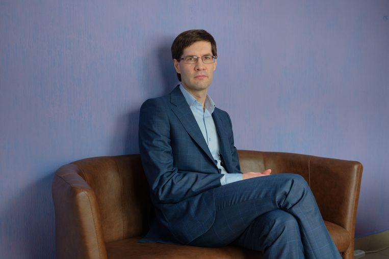 Advocaat Sergey Zikratsky uit Belarus is voor veel gevangenen de eerste die ze kunnen vertrouwen.  Beeld Tatsiana Tkachova
