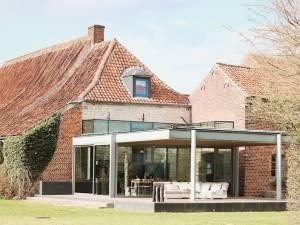 Indrani Lodge: un havre de paix dans le Brabant Wallon avec un resto incroyable et une piscine couverte