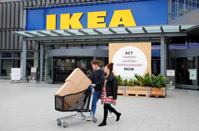 Ook Ikea, de grootste woonwinkel van de wereld, doet goede zaken.