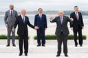 Enkele leiders van G7-landen plus de EU: Charles Michel (EU), Joe Biden (Amerika), Yoshihide Suga (Japan), Boris Johnson (Verenigd Koninkrijk) en Mario Draghi (Italië). Ze zijn bijeen in Cornwall, met als belangrijk agendapunt de bestrijding van de corona-pandemie.