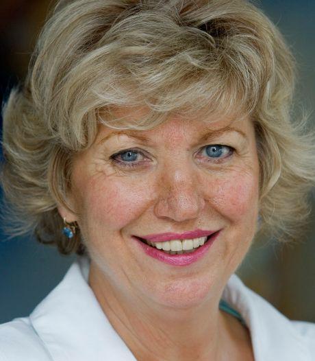 Lily Voets overleden, de aanstekelijke lach van de eerste vrouwelijke minister in Oeteldonk