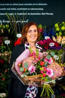 Annette brengt haar stiefmoeder na 48 jaar voor het eerst bloemen op Moederdag: 'Ik schaam mij diep'