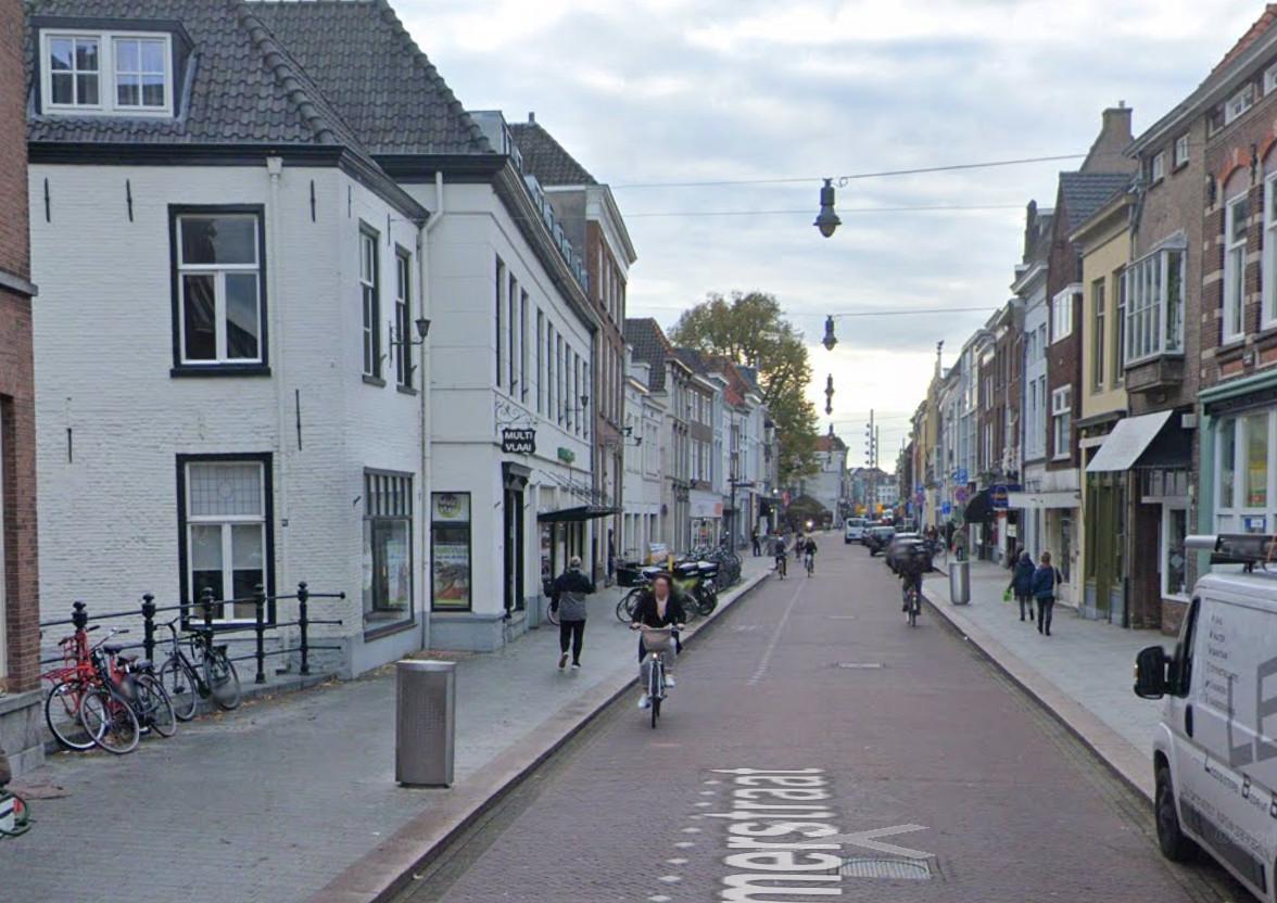 De controle vond plaats in (de omgeving van) de Hinthamerstraat in Den Bosch.