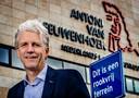 René Medema, voorzitter van de raad van bestuur van het Antoni van Leeuwenhoek-ziekenhuis, gespecialiseerd in kanker, wil af van het 'absurde' antirookbeleid in Nederland.
