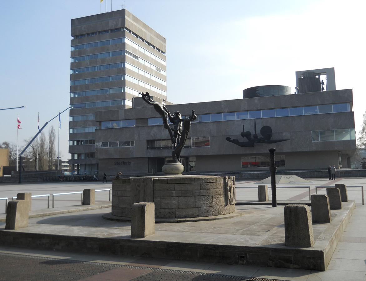 Verhullend taalgebruik is schering en inslag in het Eindhovense gemeentehuis. STADHUIS EINDHOVEN