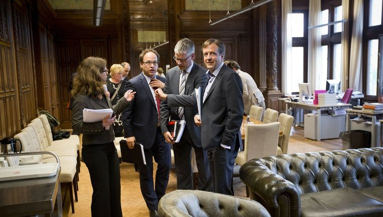 Carola Schouten (CU), Wouter Koolmees (D66), Arie Slob (CU) en Alexander Pechtold (D66) na afloop van het overleg met de Kunduz-coalitie op de fractiekamer van D66 waar wordt gewerkt aan de uitwerking van het Lenteakkoord, op 10 mei. Beeld anp
