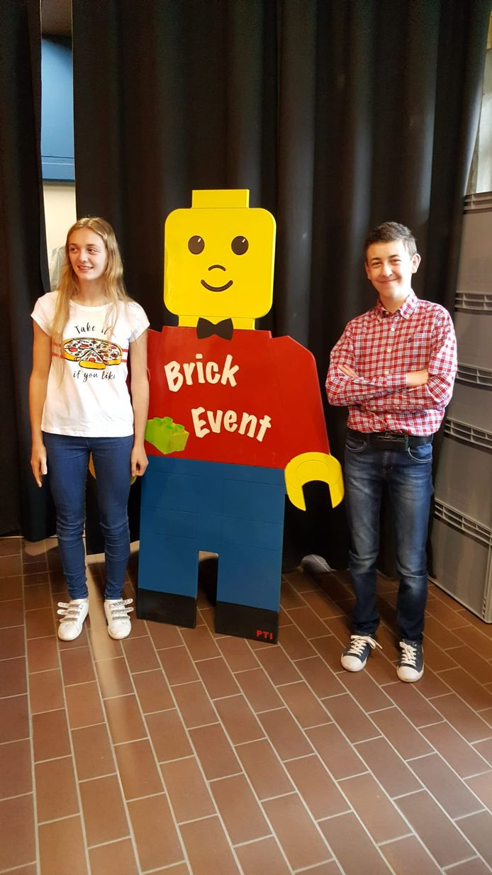 Eron trok in het gezelschap van onder andere zijn zus naar het Brick-Event
