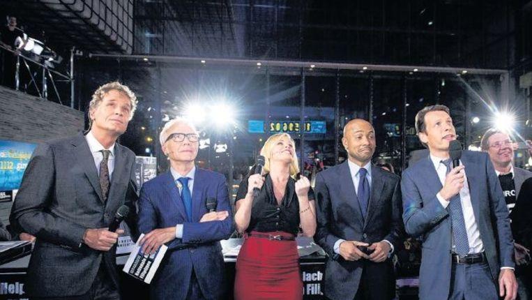 De presentatoren van de nationale tv-actie voor de Filippijnen. Beeld anp
