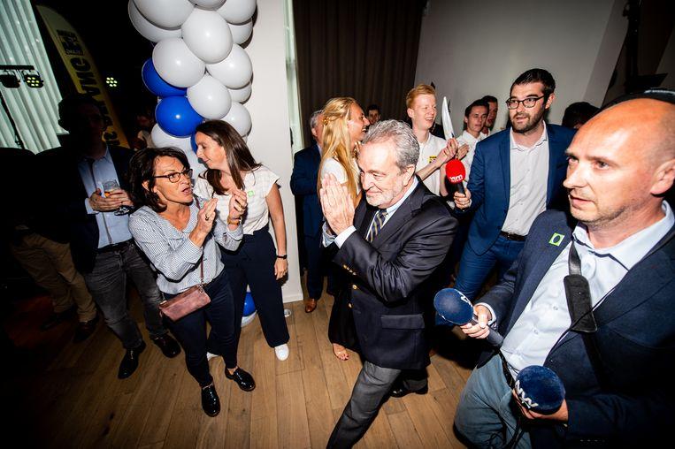 Oud-Vlaams Belang-voorzitter en Europees lijsttrekker Gerolf Annemans  komt toe op het partijfeest in Londerzeel.