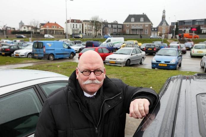 Wethouder Henk Driessen van Tiel.