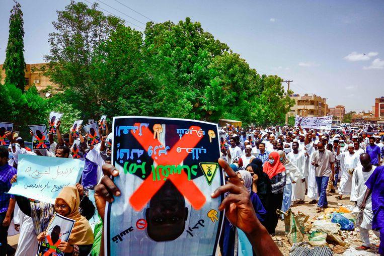 Vorig jaar protesteerden moslims in de hoofdstad Khartoem tegen het afschaffen van de sharia. Beeld AFP