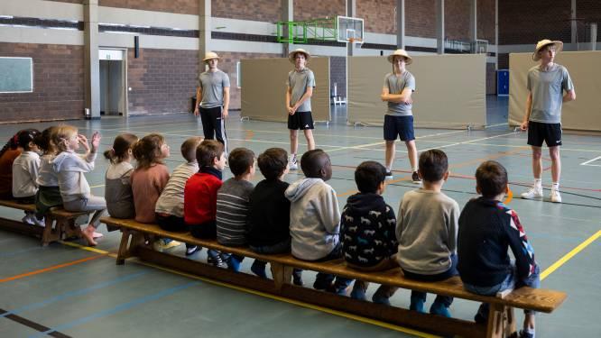 Leerlingen Atheneum geven wekelijks sportles aan kinderen van Boom Park