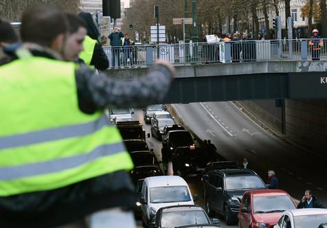 Foto van Protest van 'gele hesjes' ontaardt in rellen in Brussel