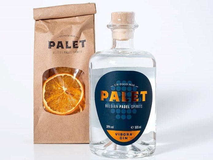 Wie een fles bestelt, kan er optioneel gedroogde schijfjes sinaasappel bij bestellen.