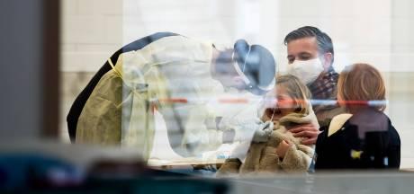 L'agence sanitaire européenne appelle à des mesures plus strictes pour contrer les variants