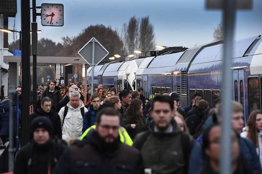 Aankomst van een trein in Cuijk.
