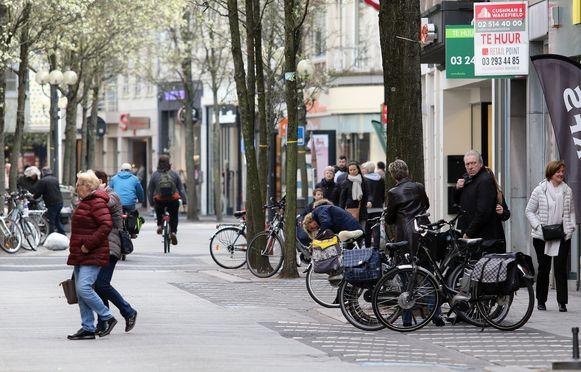 De Gasthuisstraat, de belangrijkste winkelstraat van Turnhout.