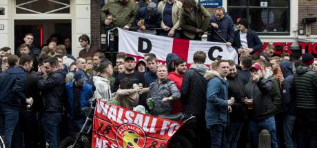 Engelse voetbalbond veroordeelt rellen in Amsterdam