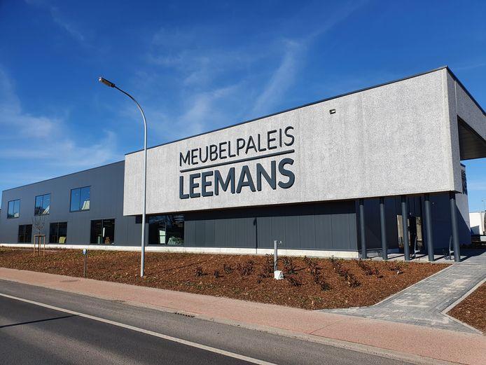 De nieuwe toonzaal van Meubelpaleis Leemans.