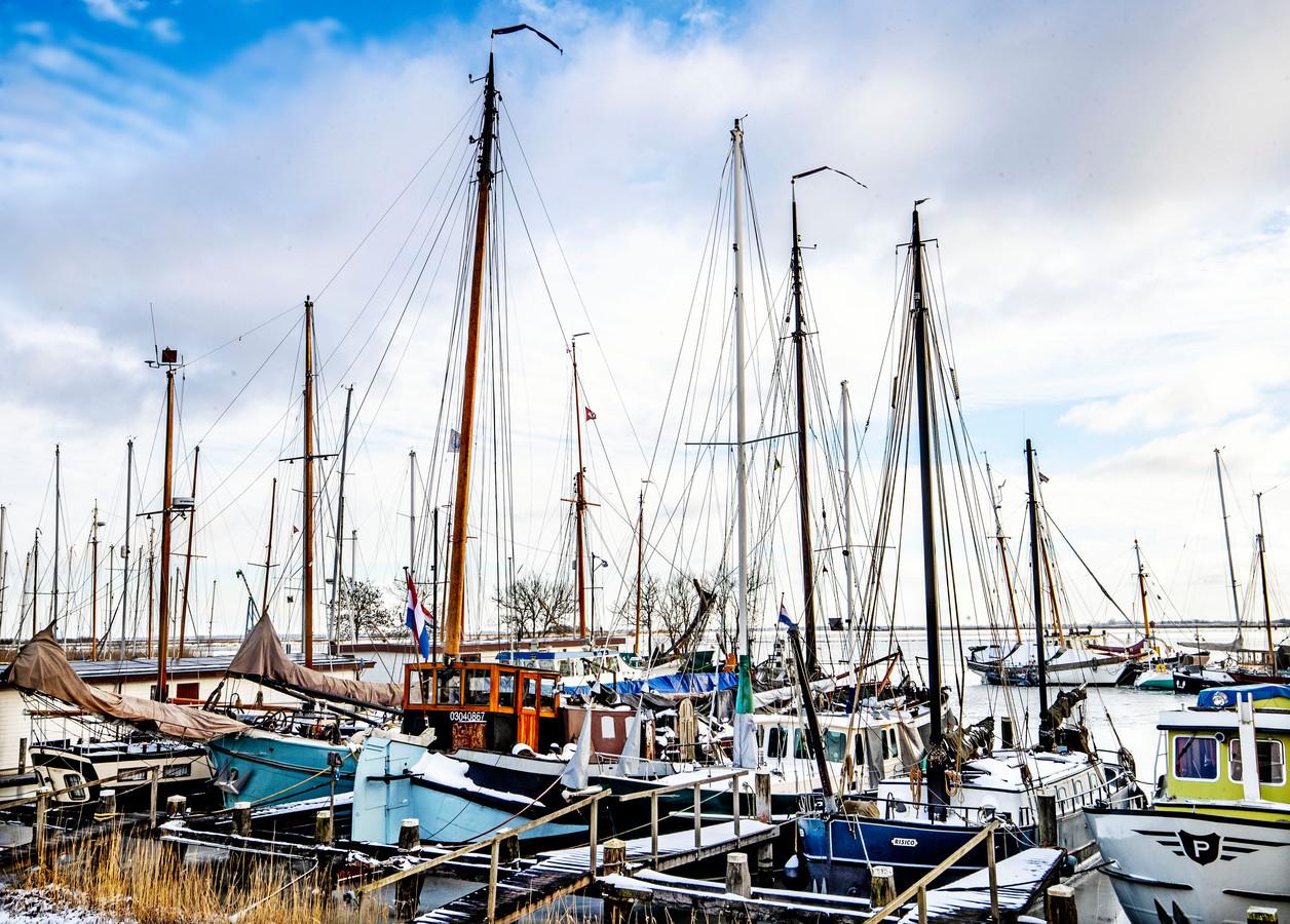 De vloot in de haven van Durgerdam.