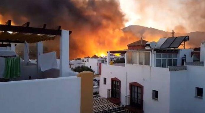De natuurbrand is ontstaan bij de urbanisatie Bello Horizonte in de Altos de Marbella.