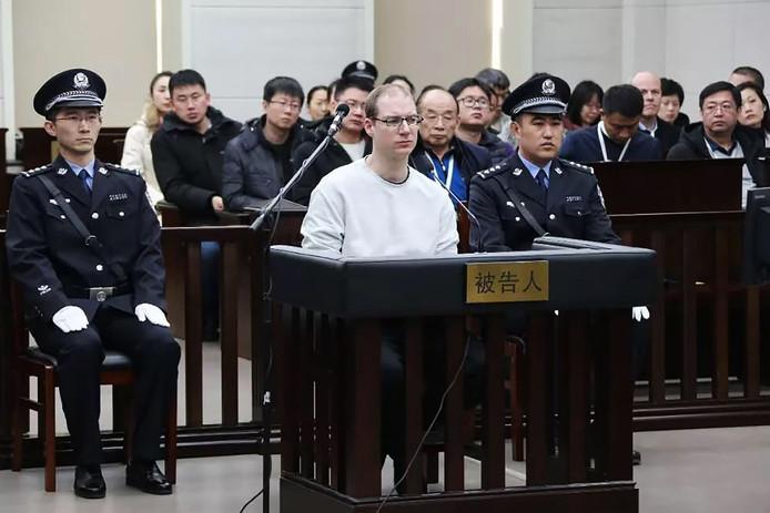De rechtbank in het Chinese Dalian, verspreidde vandaag deze foto. De Canadees Robert Lloyd Schellenberg werd ter dood veroordeeld. De uitspraak verergert de diplomatieke spanning tussen Canada en China.