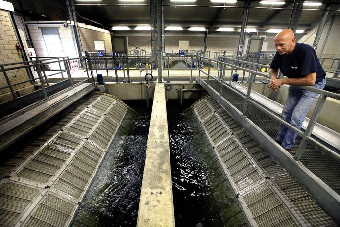 Zicht op de filters van waterbedrijf Dunea die het water van de Afgedamde Maas zeven.