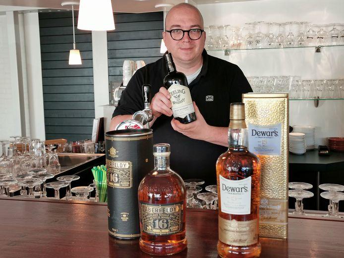 Denny Mac Taggart houdt een Whisky Festival in Den Dullaert in Hulst op 30 oktober. Kaarten zijn al niet meer te krijgen, het liep de laatste weken storm.