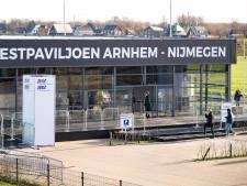 Megateststraat Arnhem-Nijmegen weer open na wekenlange sluiting: vraag naar coronatests stijgt weer