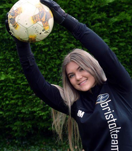 Jade (19) ruilt Lepelstraat in voor Kansas, Amerika: 'Mooi dat voetbal me daartoe in staat stelt'