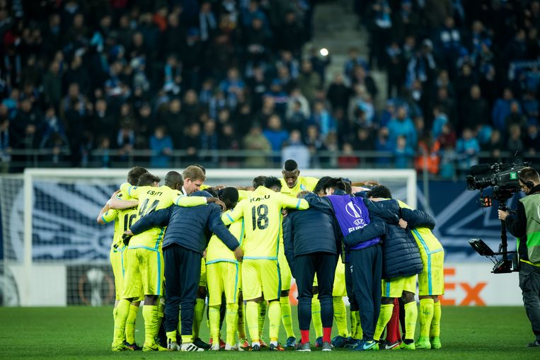 Gent's players celebrate after winning a game between Belgian soccer team KAA Gent and British team Tottenham, first-leg of the 1/16 finals of the Europa League competition, Thursday 16 February 2017, in Gent. BELGA PHOTO JASPER JACOBS Beeld null