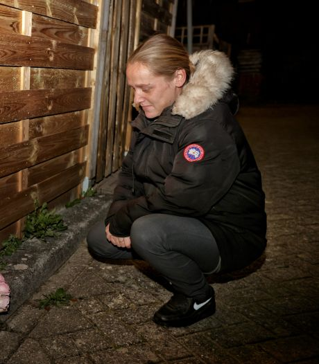 Eleonora brandt nog elke week kaars op plek waar Robby (44) werd doodgestoken: 'Hij was mijn beste vriend'