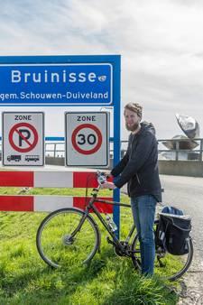 Bram fietst langs alle Zeeuwse plaatsen