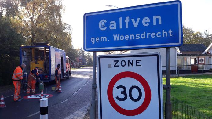 Op Calfven geldt grotendeels een maximumsnelheid van 30 kilometer per uur, maar die wordt tot angst en ergernis van veel bewoners massaal overtreden.