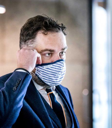 Per direct advies om mondkapje te dragen in winkels: zo gebruik je ze goed (en dit zijn de leukste)