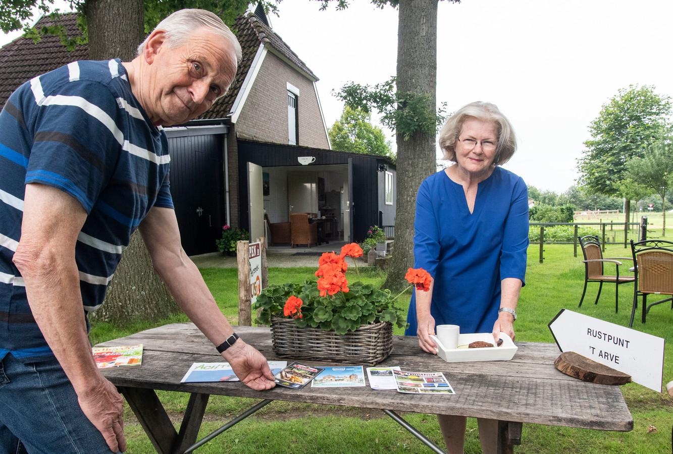 Wim en Joke Cornelissen bij hun Rustpunt.