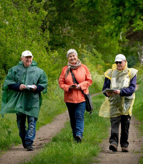 Vrijwilligers brengen cadeautjes van de vorige generatie in kaart, liefst zonder jeukrupsen