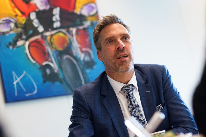 """De Moerdijkse burgemeester Aart-Jan Moerkerke heeft zijn eerste 100 werkdagen er op zitten: ,,Ik begin me steeds meer Brabander te voelen."""""""