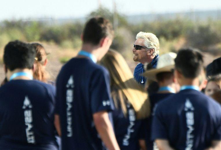 Richard Branson komt zondag aan bij ruimtehaven Spaceport America in New Mexico, vertrekplaats van zijn ruimtevlucht. Beeld Hollandse Hoogte / AFP