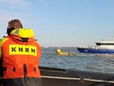 Vliegtuigje dat in de Westerschelde stortte had motorpech, piloot (77) ongedeerd