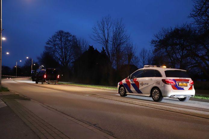 Het busje waarmee twee tbs'ers vanuit Poortugaal reden werd op de Cuneraweg in Ochten tot stoppen gedwongen. Chauffeur is vrijgelaten en is geen verdachte meer.