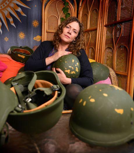 Amy zoekt erkenning voor veteranen: 'Je lichaam is terug in Nederland, maar je geest komt er op een kameel achteraan'