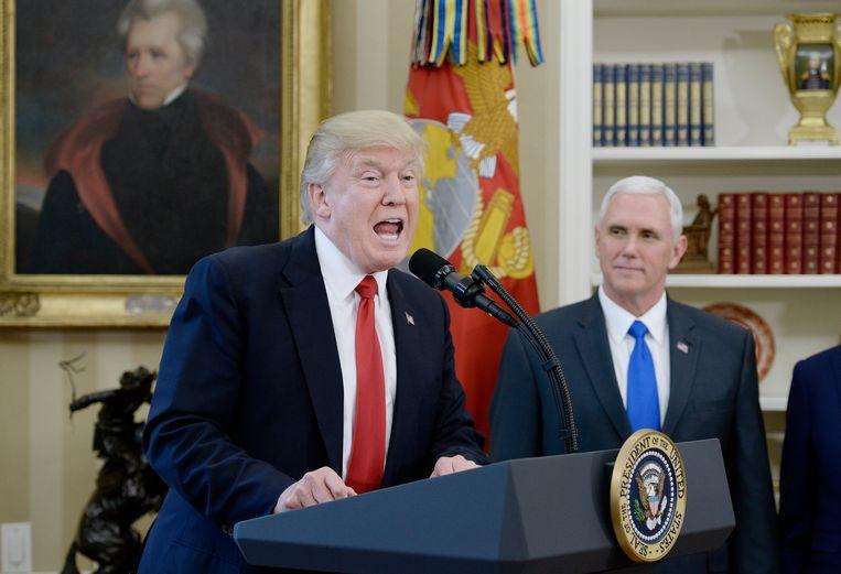 Donald Trump en zijn vicepresident Mike Pence. Beeld EPA