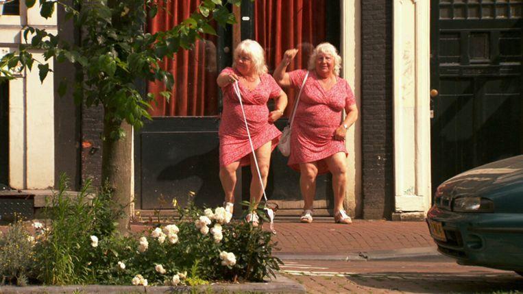 Prostitutie in Nederlandse films & series: De tweelingzussen Louise en Martine Fokkens in de documentaire 'Ouwehoeren' (2011) Beeld